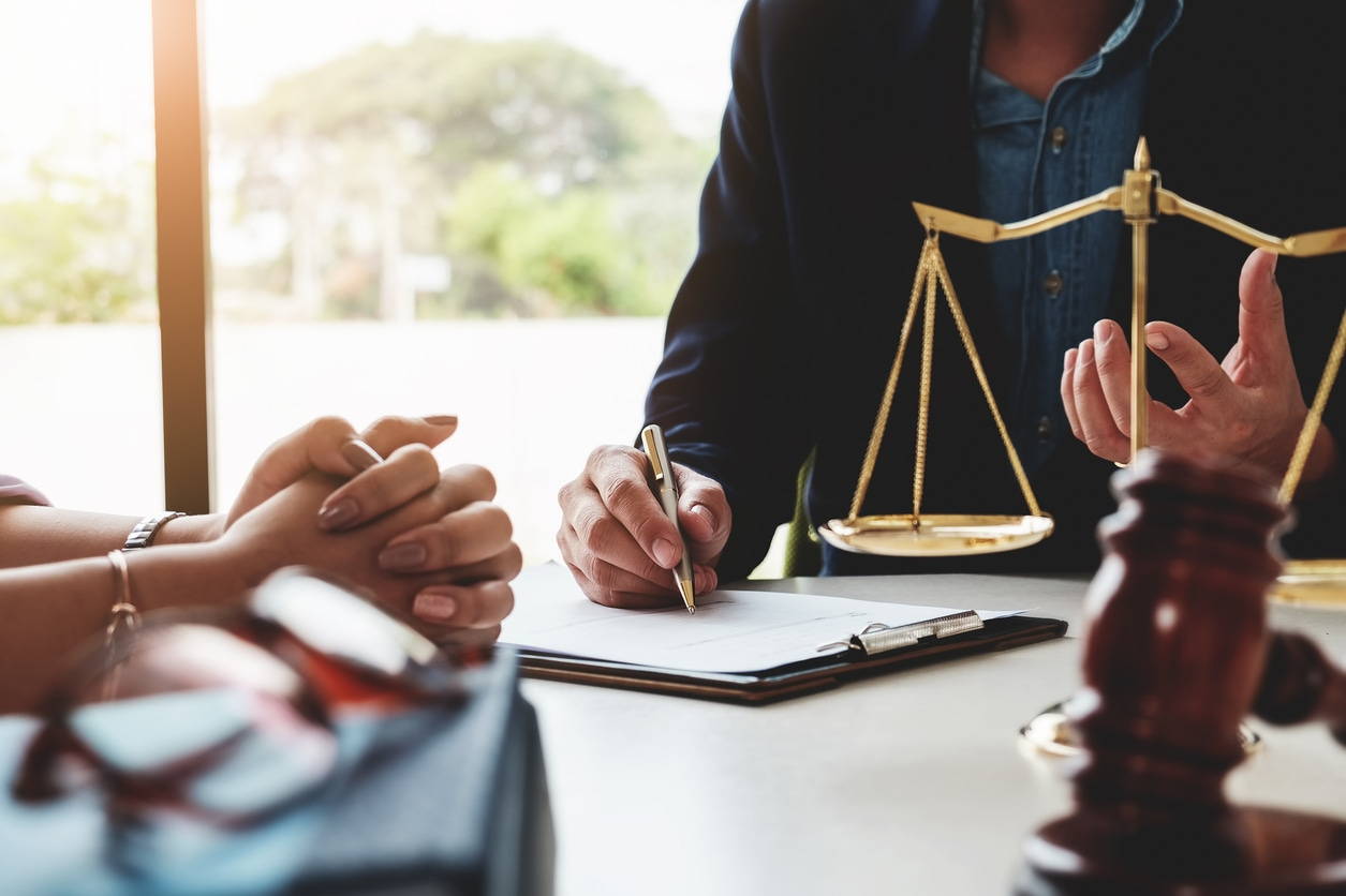 Questions to Ask a Criminal Defense Lawyer During a Free Consultation -  Edgett Law Firm